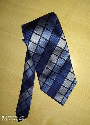 Шелковый фирменный галстук