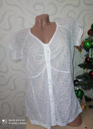 Нежная белая кружевная блуза