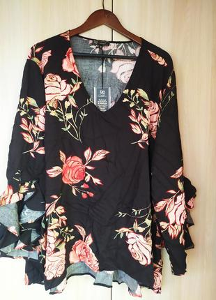 Черная блуза в цветок