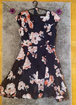 Платье с цветами 👗