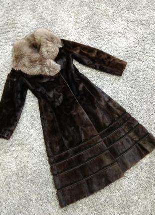 Шикарная шуба пальто из меха нерпы