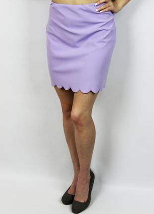 Мини юбка лилового цвета с интересной окантовкой c фестонами b...