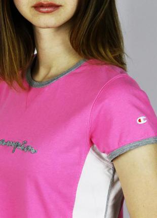 Яркая футболка champion с большим вышитым логотипом