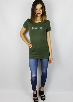 Удлинённая лёгкая хлопоковая футболка с большим лого, надписью...