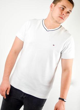 Tommy hilfiger белая футболка из хлопка с v-образным вырезом