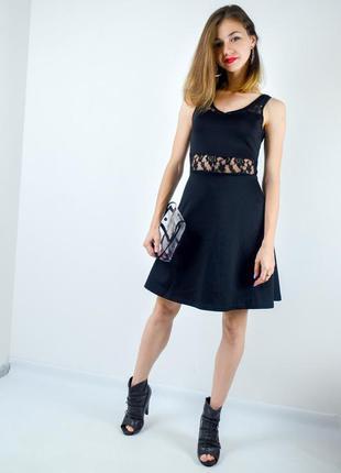 Amisu черное короткое приталенное платье мини с кружевом, выпу...