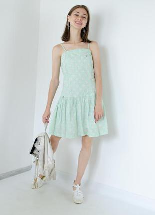 Tommy hilfiger платье на тонких бретелях в цветочный принт, са...