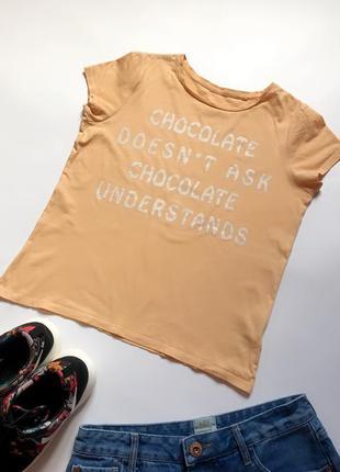 Cтильная персиковая футболка c&a с надписью. р. s/m