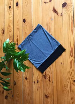 Стильная серая мини юбка с сеточкой по низу