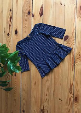 Симпатичная блуза блузка  с баской в горошек. нюанс
