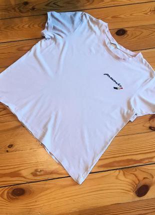 Пудровая футболка h&m с вышивкой. размер м