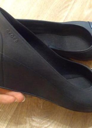 Туфли crocs 37 р. w8 стелька 24 см.
