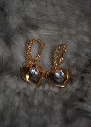 Ювелирные серьги-подвески с кулонм сердце