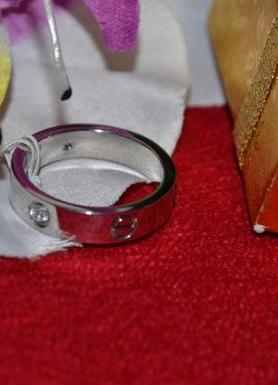 Гладкое кольцо с камнями