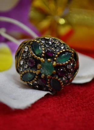 Индийское кольцо с натуральными камнями