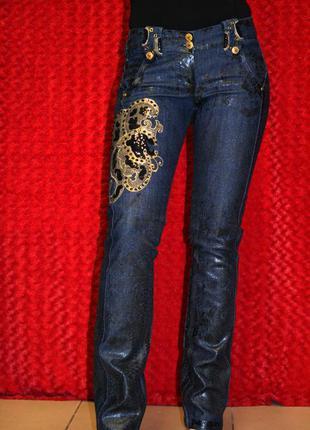 Прямые джинсы sassofono