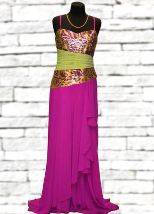 Вечернее женское платье с карсетом