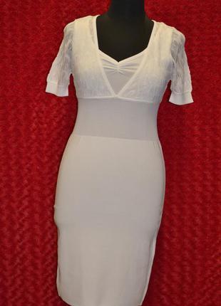 Летнее белое платье футляр