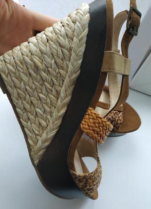 Босоножки леопардовые замшевые с плетением оригинальные платфо...
