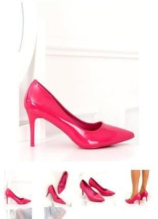 Туфли лодочки на шпильке из лаковой кожи