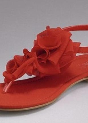 Красные босоножки сандалии с цветами маками