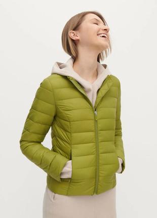 Сьобана легка демісезонна  куртка яскравого зеленого кольору r...