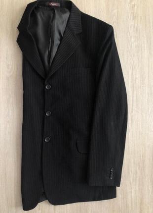 Костюм в полоску пиджак и брюки