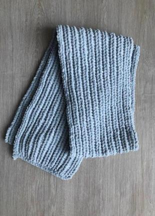 Велюровый шарф ручной работы жемчужно-серого цвета