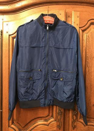 Куртка,ветровка,бомбер
