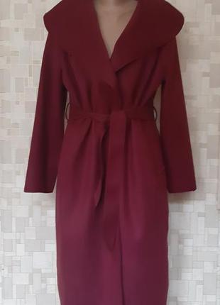 Стильное пальто цвета марсала( италия).