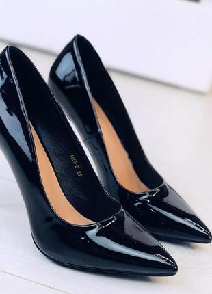 Чёрные лаковые туфли на каблуке,лаковые туфли лодочки на шпильке