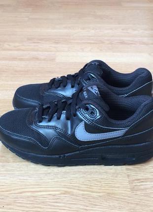 Кожаные кроссовки nike air max оригинал 36,5 размера