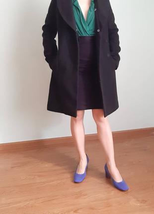 Класичне чорне зимове пальто