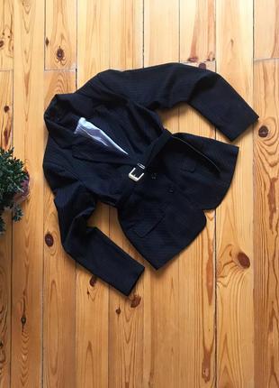 Стильный классический чёрный пиджак жакет в мелкую полоску.