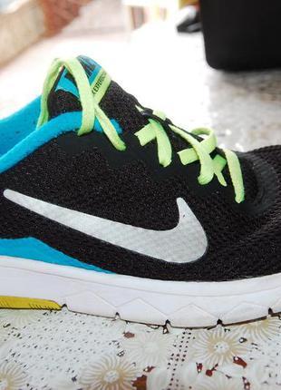 Nike спорт кроссовки на мальчика 38 размер