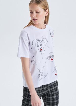 !продам новую женскую летнюю футболку