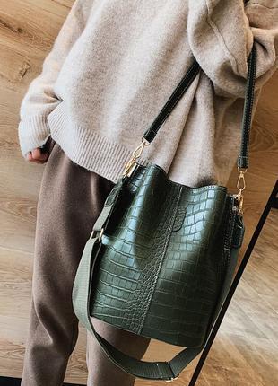 Сумка женская большая стильная сумка мешок под рептилию зеленая