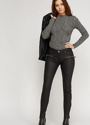 Черные брюки скинни джинсы с замочками
